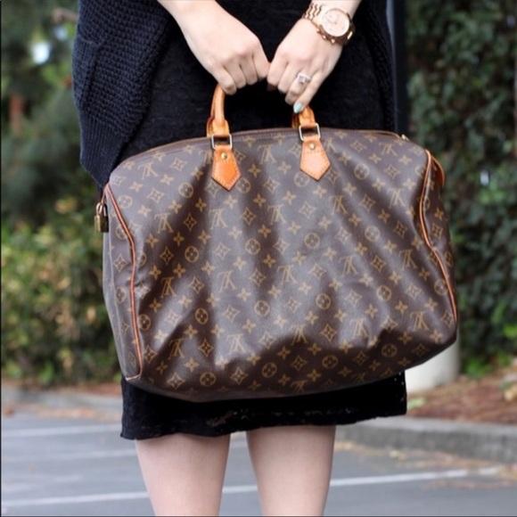 e8c3880ac8d9 Louis Vuitton Handbags - Authentic Louis Vuitton Speedy 40 Monogram